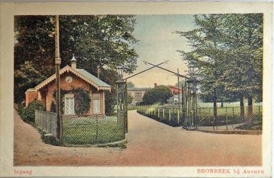 Bronbeek_ingang